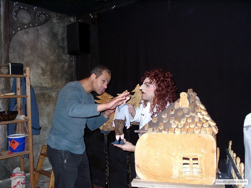 Hänsel und Gretel Proben mit Nino Sandow (Foto: Barbara Franck)